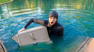 SCUBA DIVING FOR MY SAFE!! (I FOUND IT)